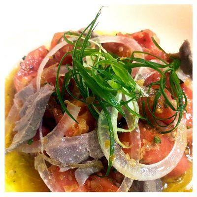Tomate de Menorca y escabeche casero de atún de Almadraba